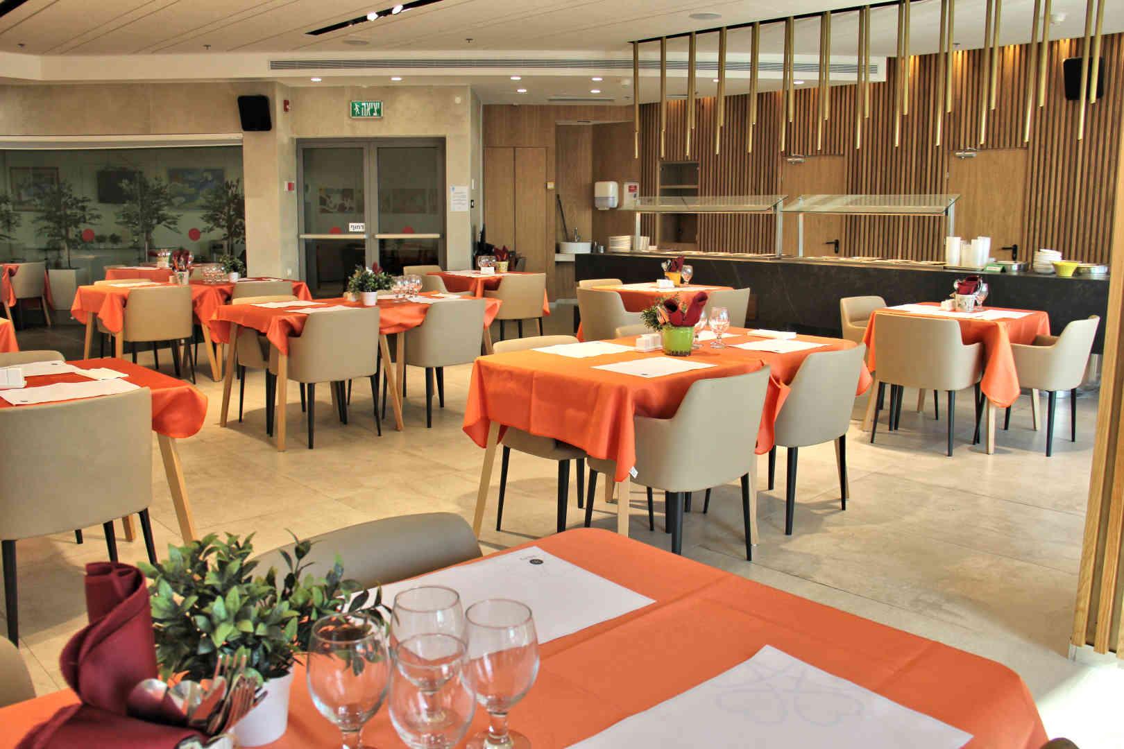 בית בלב קריית מוצקין – בית אילדן חדר אוכל