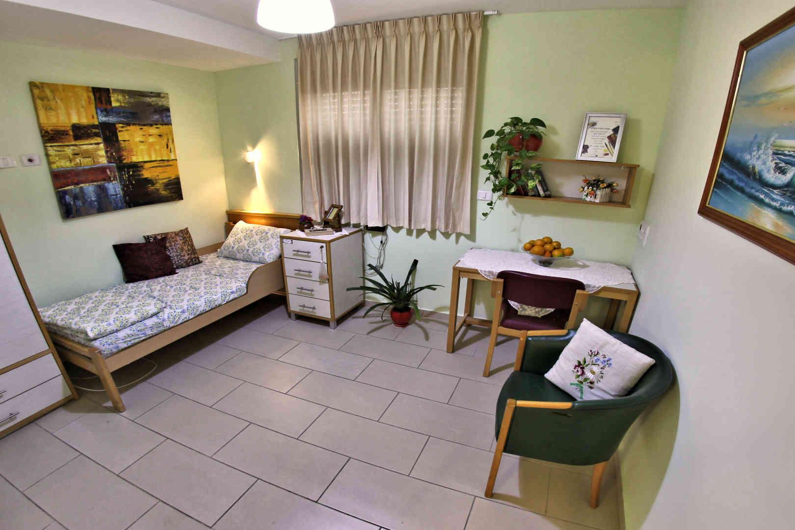 בית האבות הספרדי בית אברהם חדר