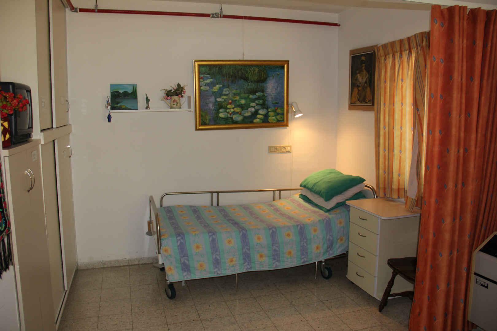 בית הדקל חדר