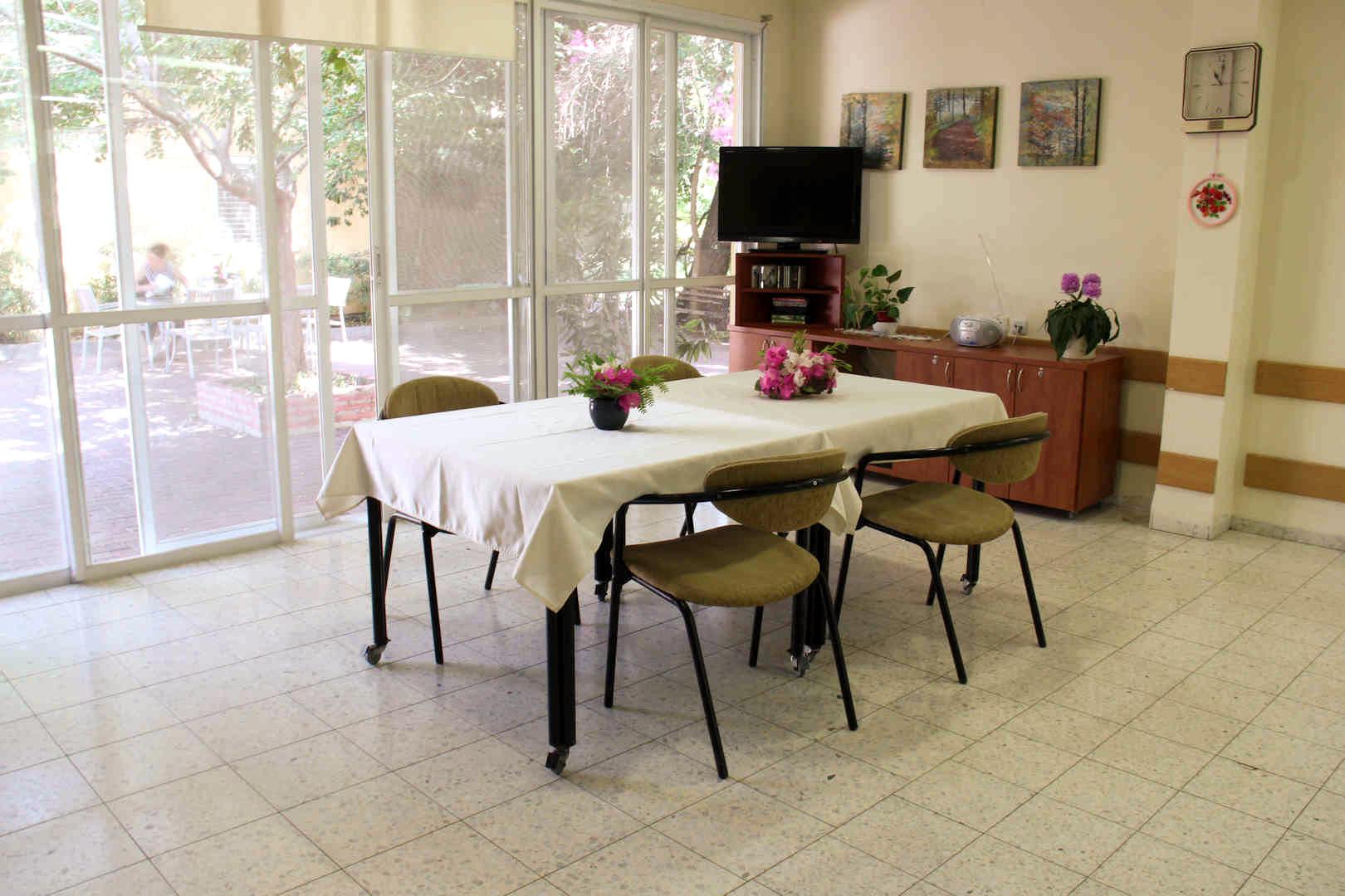 בית הדקל חדר אוכל