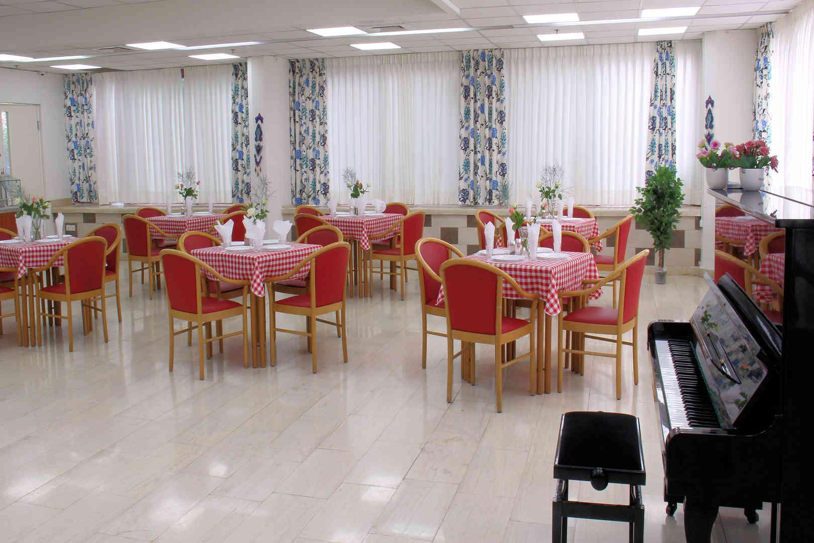 הוד ירושלים דיור מוגן חדר אוכל