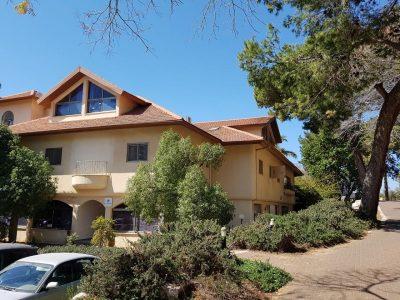 בית אבות ליד הרצליה