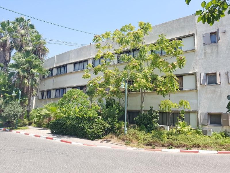 בית אבות צהלון ירושלים חדר