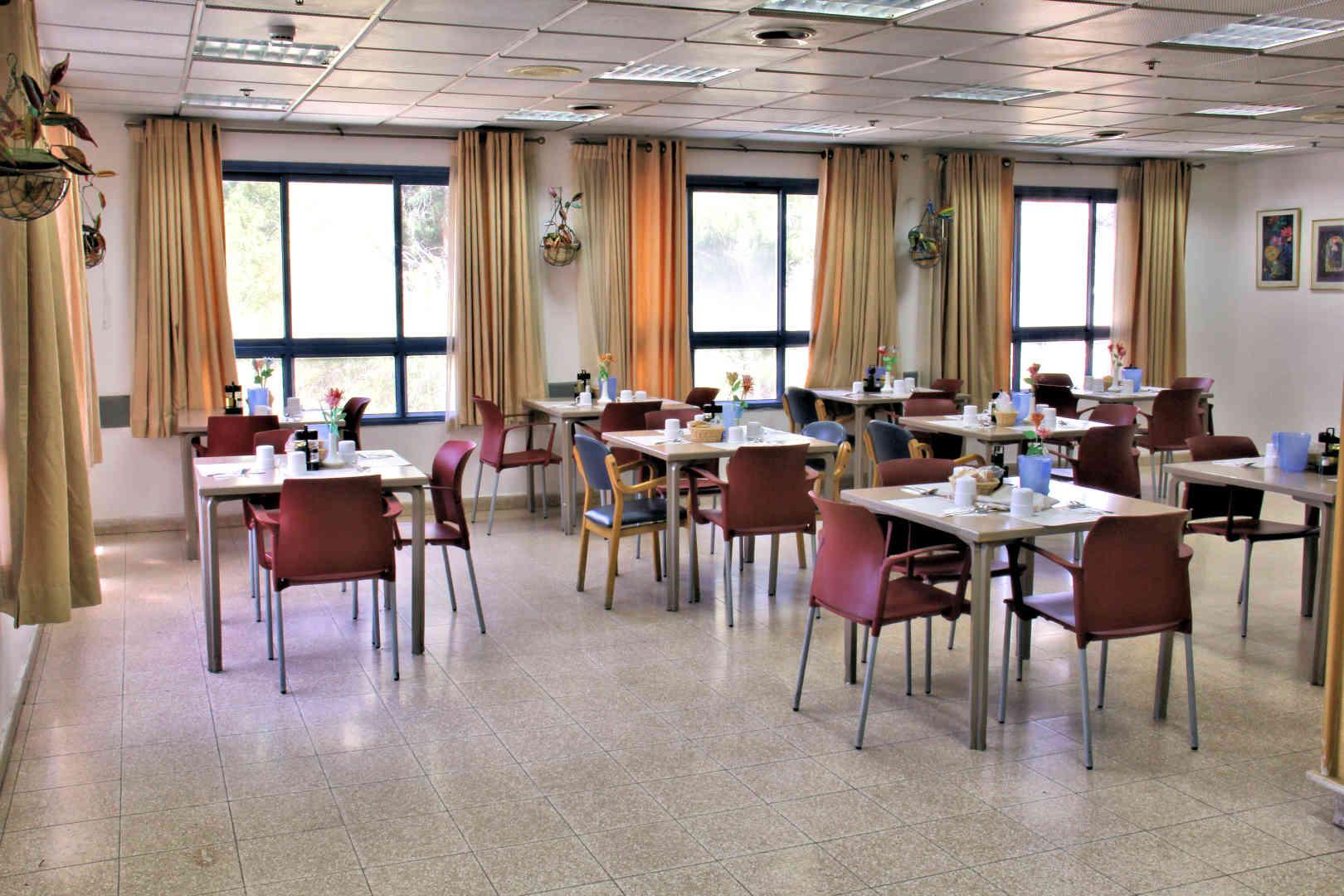 עידן הזהב חדר אוכל