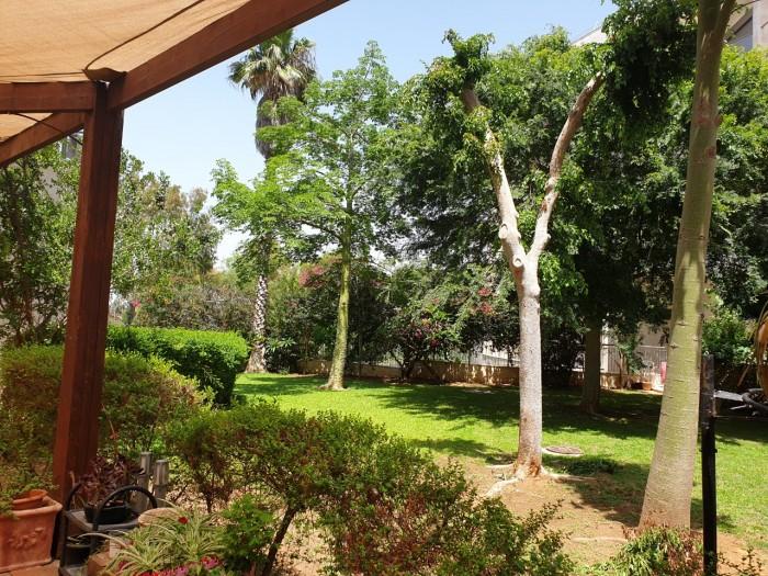 בית אור ביתן אהרון חצר